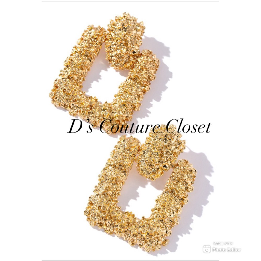 Glitters Like Gold Earring-
